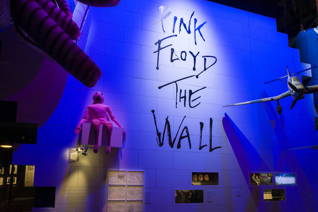 The_Pink_Floyd Exhibition_VA_002-WH
